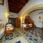 Abelos Villa - Dining Room