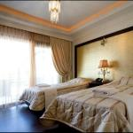 Royal Palace Resort- Twin Room