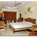 Chandra Inn - Deluxe Room